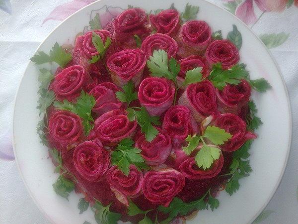 Розы из блинов фото